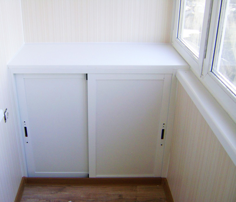 Встроеный шкафчик